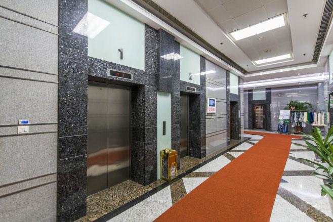 新概念大廈電梯間